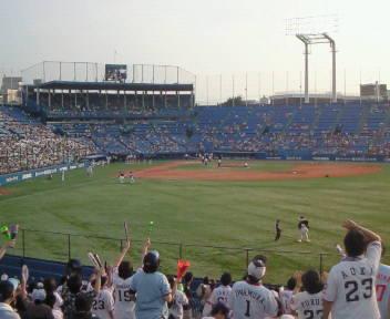 夏の神宮球場